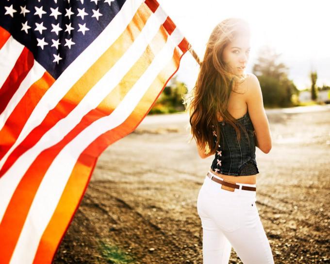 アメリカ国旗女性