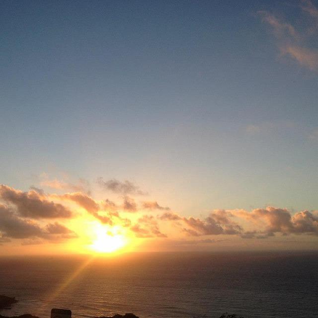 オアフ島から見る朝日