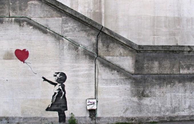 謎の芸術家バンクシーのアートが全世界で話題に!