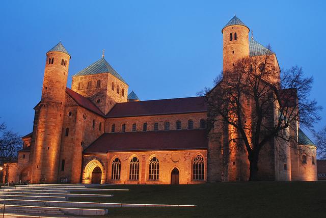 ヒルデスハイムの聖マリア大聖堂と聖ミカエル教会