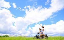 夫婦の旅行が素敵な時間になる持ち物5選