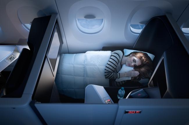 まるで空飛ぶホテル!世界初となる「全席個室」タイプの席がデルタ航空が導入予定