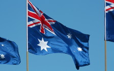 オーストラリア、ワーキングホリデーの年齢制限「35歳まで引き上げ」を撤回か