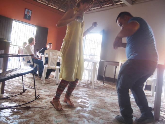 何日も踊らされたニカラグア