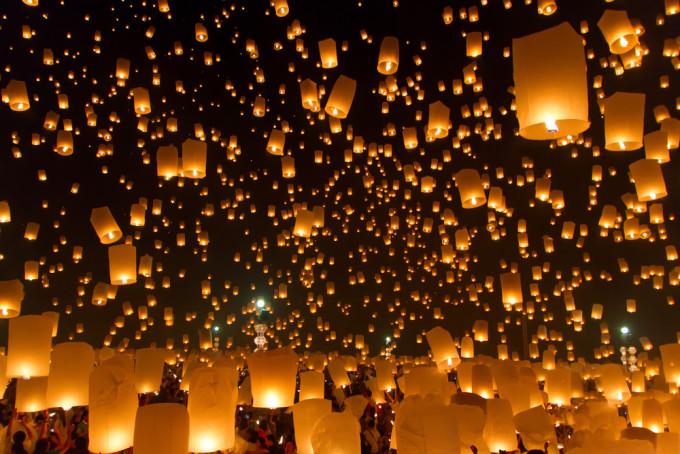 タイ観光庁、2016年度「チェンマイ・イーペン祭り」の中止を発表