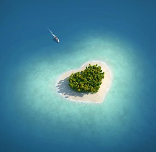 見たら幸せになれるかも♡愛に溢れた「ハートの島」8選
