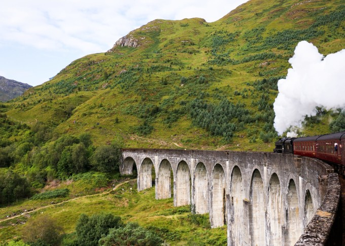 Jacobite stream train, Glenfinnan Viaduct, Scotland, UK