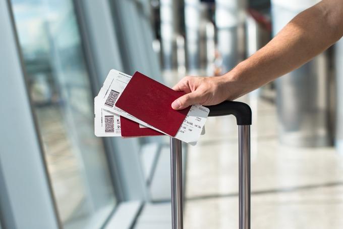 航空券の手配は余裕をもって
