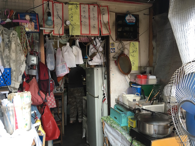 大阪市民も足を踏み入れない、ドヤ街・西成区「あいりん地区」で2日間過ごしてみた