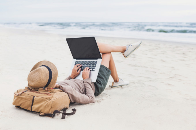 夢みたいな話だけど、旅をしながら仕事ってホントにできるの?