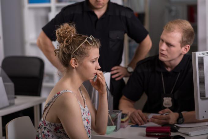 海外で警察を訪れた際に使える英語フレーズ25選