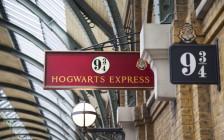 ハリーポッターのロケ地14選!キングス・クロス駅の「9と3/4番線」は外せない