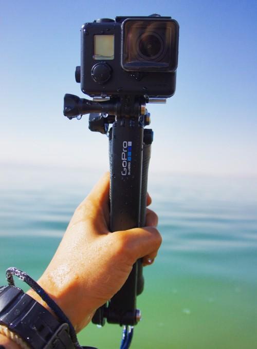 GoProの魚眼レンズを生かすと、周囲の風景と自分の姿が一緒に写り、まるで一緒に旅しているかのような写真を撮ることが出来ます。