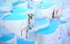 綿の宮殿が生み出す世界!トルコの絶景「パムッカレ」