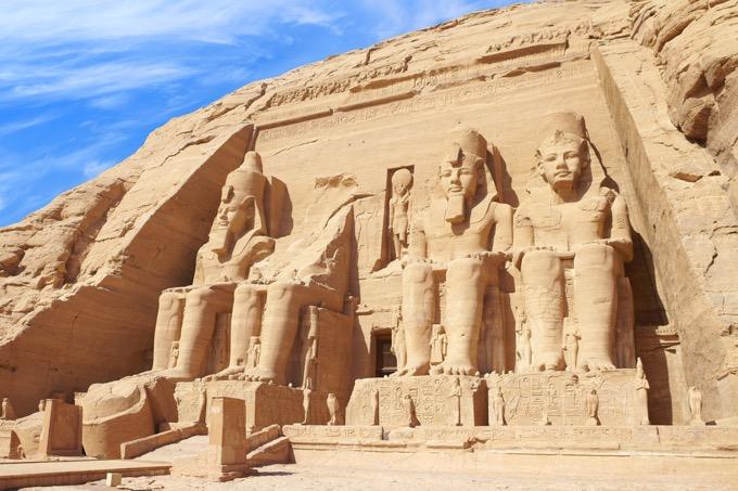 水没から救われた巨大神殿「アブ・シンベル」の歴史と概要