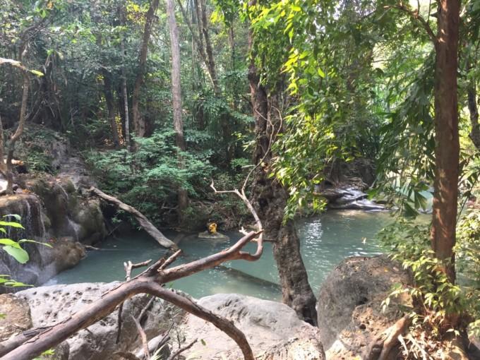バンコクから日帰りで行ける!タイで一番美しい滝「エラワンの滝」が神秘的だった