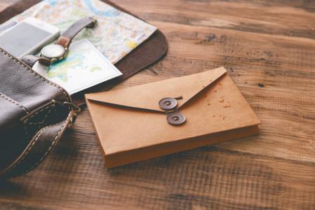 旅先での気持ちを大切な人に送ろう♡あなたと旅する「キャリーレター」が書店で大人気!