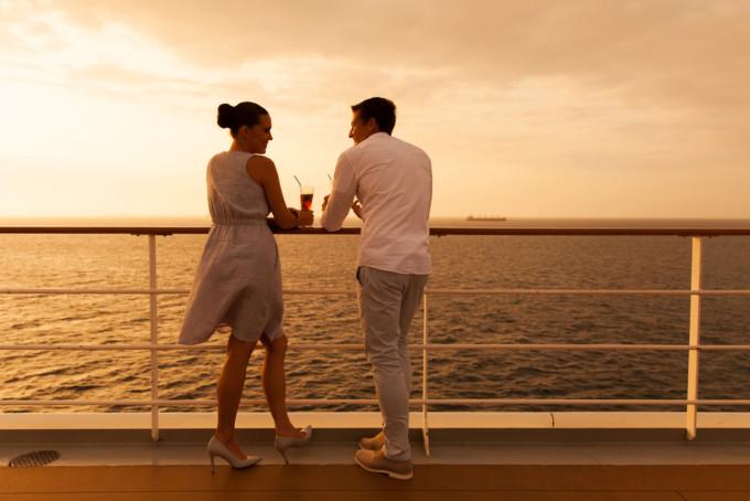 ピースボートの恋愛事情を調査!船内LOVEって本当にあるの?