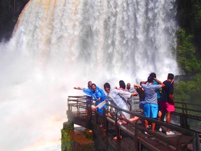 """南米で""""悪魔""""が唸る⁉︎ 世界最大級の「イグアスの滝」を120%満喫する方法を見つけた"""