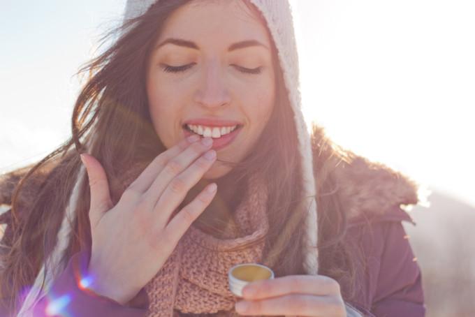 女性が旅行に持って行きたいおすすめのリップクリーム10選