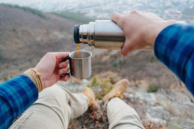 登山やキャンプにおすすめの水筒16選