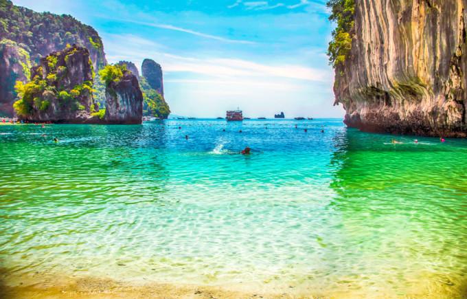 ビーチとグルメを楽しむ!プーケット島の基本情報まとめ
