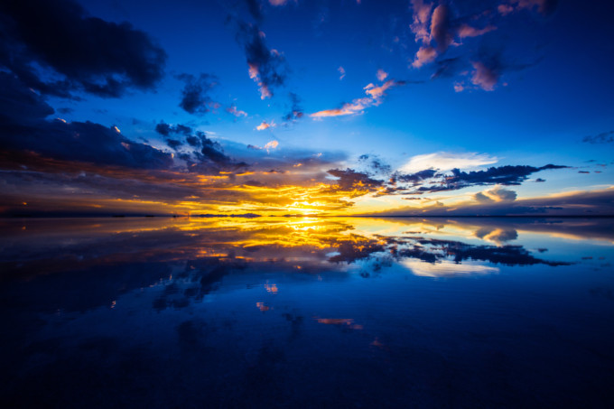 本日「ウユニ塩湖完全ガイド」発売!24時間で切り取ったウユニ塩湖の写真がすごい!