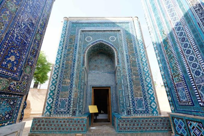 カメラ女子大興奮!ウズベキスタンの青の都「サマルカンド」が見惚れるほど美しい