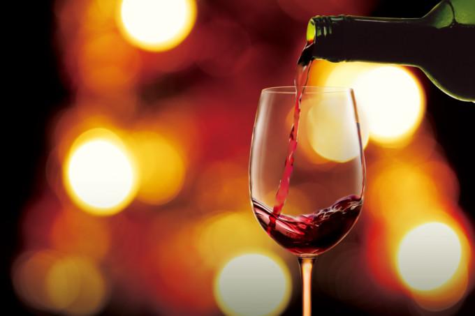 海外旅行好きにおすすめの赤ワイン10選