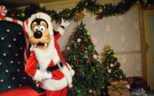 サンタがいる!雪も降る!香港ディズニー初のクリスマスショーを見てきた