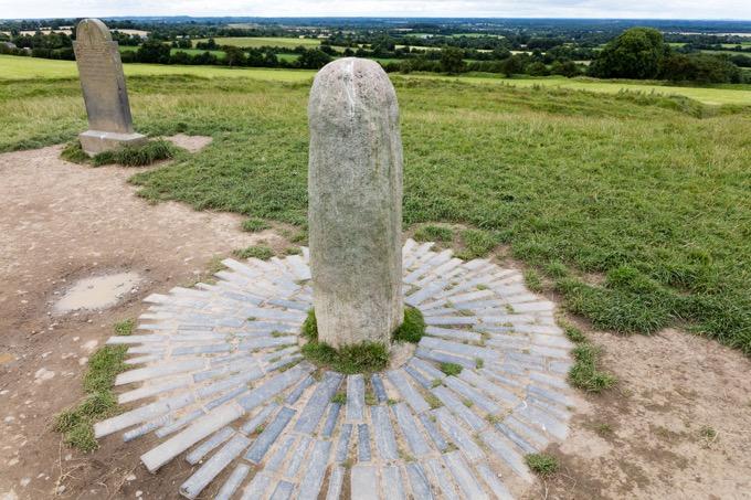 運命の石「タラの丘」 / アイルランド