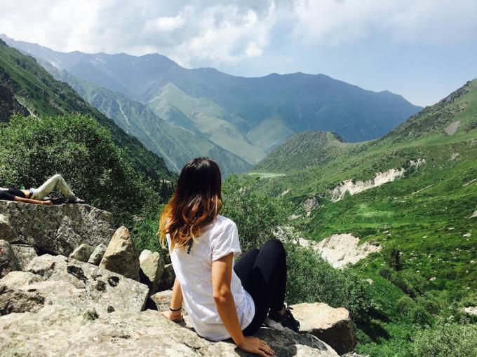 春の旅行先はここに決まり!キルギス「アラ・アルチャ国立公園」で絶景ハイキング