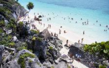 遺跡をバックに海水浴が楽しめる!?メキシコ「トゥルム遺跡」の魅力