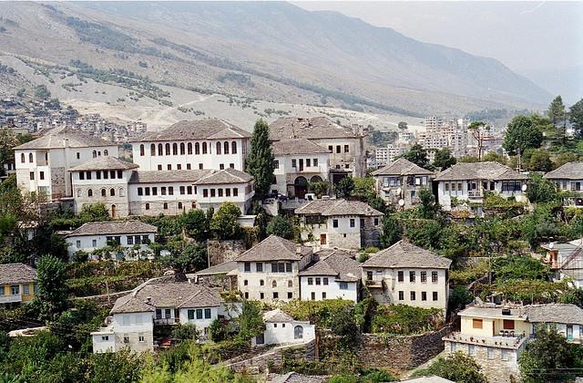 ベラットとギロカストラの歴史地区