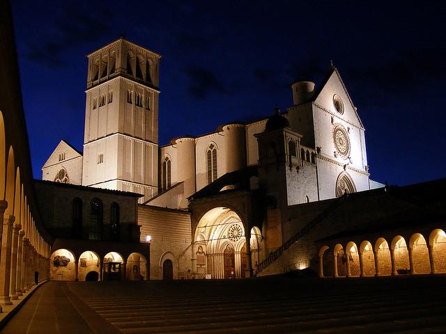 アッシージ、聖フランチェスコ聖堂と関連遺跡群