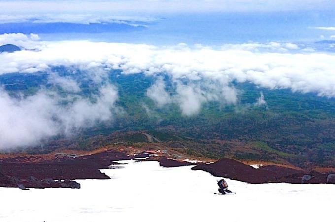 富士山でスキーに挑戦!日本一の至福を味わったプロが教える万全の準備