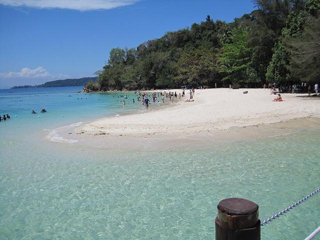 マレーシア・コタキナバルの海