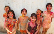 640px-HOLI_IN_INDIA_-_ENJOYED_BY_ALL-1
