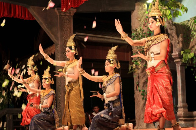 伝統舞踊アプサラ・ダンサー