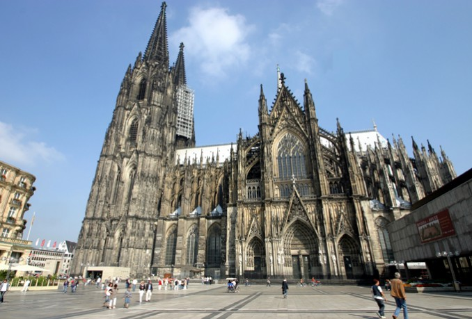 Köln ケルンの世界遺産 ケルン大聖堂 の迫力が凄すぎる tabippo タビッポ