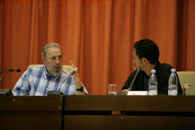 キューバでは、急遽フィデロ・カストロ国家元首との対面が実現。まさに生ける歴史!偉人との邂逅でした。