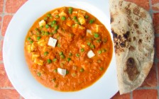 Matar_Panir_mit_Chapati_-_Mutter_Paneer_with_chapati