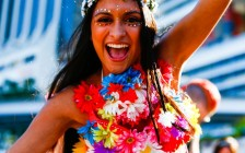 Ultra-Music-Festival-Miami-MMW-WMC-UltraFest-HD-Wallpapers-Pics-Photos-Beautiful-outfit-for-ultrafest-colorful-cute-girl-smiling