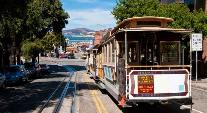 cable_car_near_downtown_san_francisco_hotel