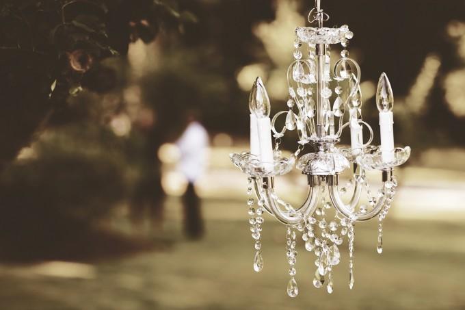 chandelier-1082182_1920