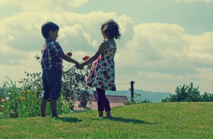 children-friends-861x562