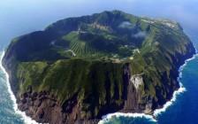 今すぐ行くべき魅力的な日本の離島20選