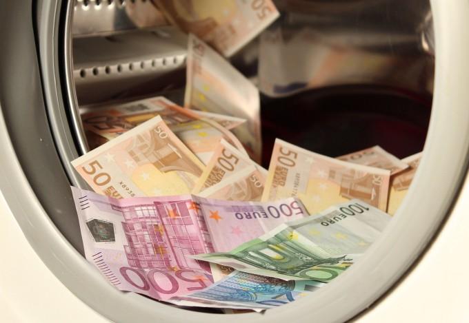 money-1050403_1280