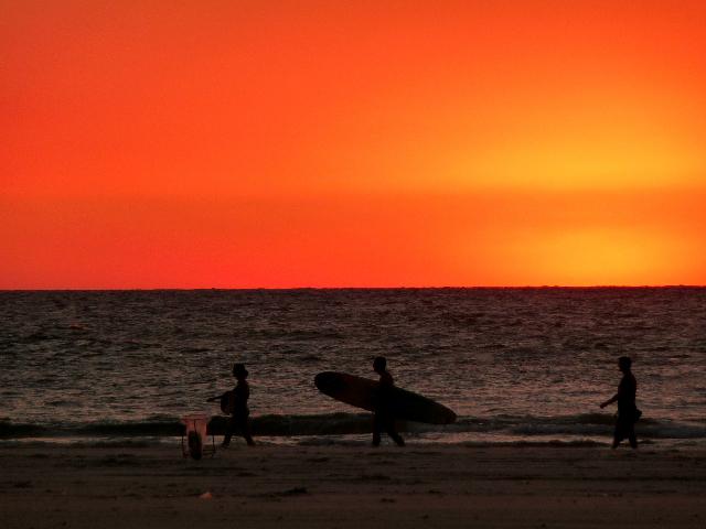 new_sea-sunset-surfer-orange