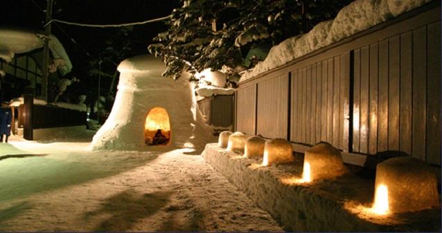 冬の風物詩、幻想的な横手の「かまくら」へ行きませんか?